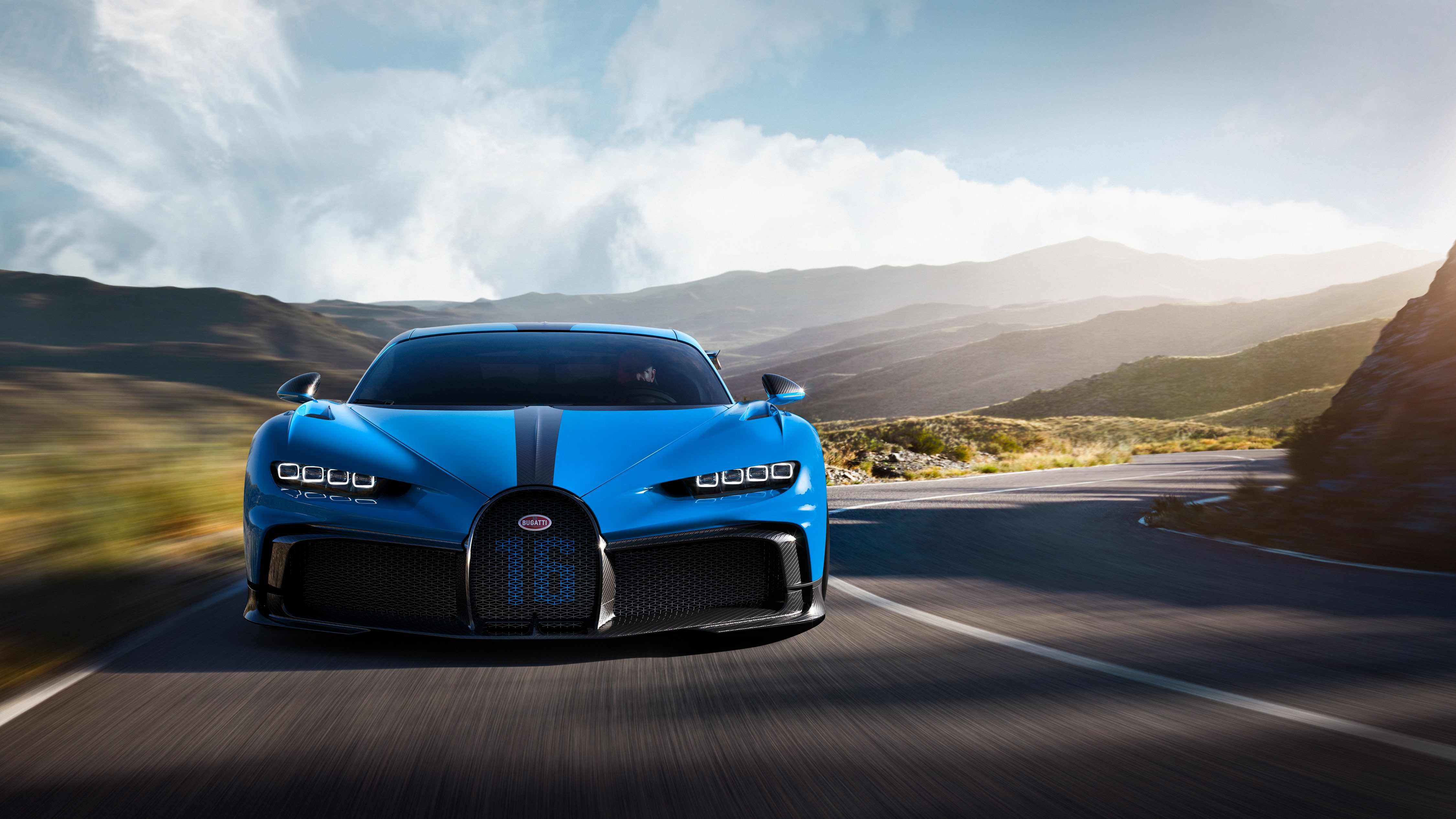 12_CHIRON-PUR-SPORT_Drive_Front.jpg